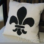stenciled-pillow