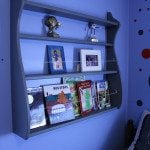 repurposed-plate-rack-book-shelf