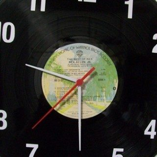 DIY vinyl record clock