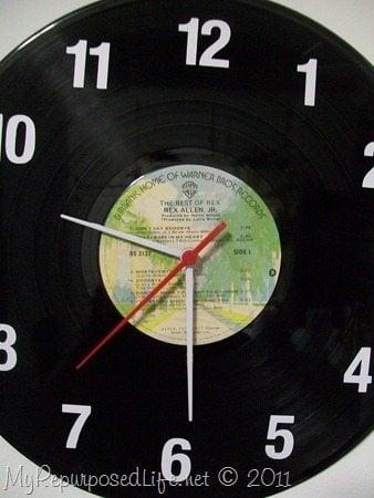 Diy vinyl record clock my repurposed life fandeluxe Choice Image