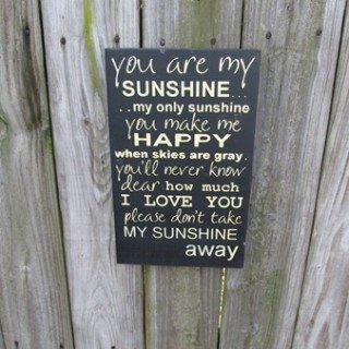 Tutorial Vinyl Stenciling (You Are My Sunshine)