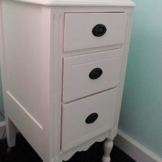 Sweet Vintage Nightstand Makeover
