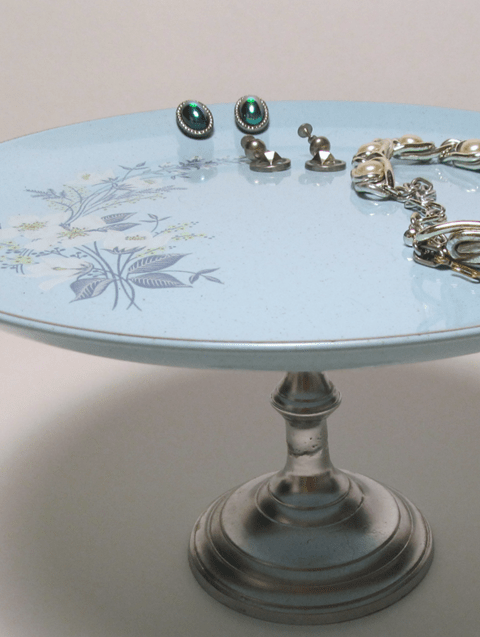 diy plate stand with vintage jewelry