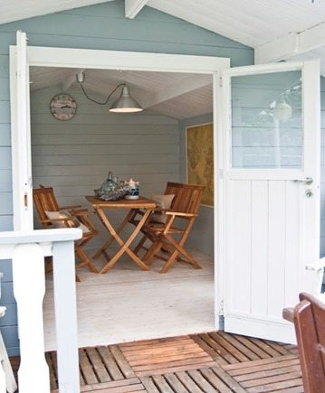 cozy outdoor space (barn)