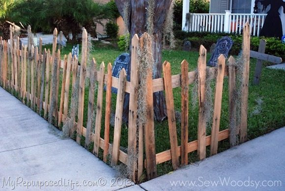 halloween-graveyard-picket-fence