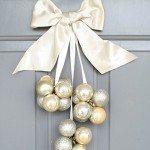 DIY-dollar-Ornament-Door-Decoration.jpg