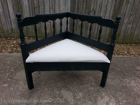upholstered-corner-bench
