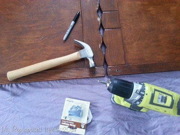 repurposed-chalkboard-hinged-easel