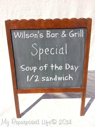 repurposed-crib-sandwich-shop-board