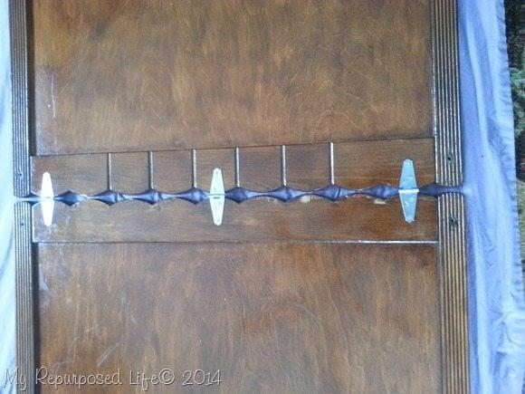 strap-hinges-chalkboard-easel