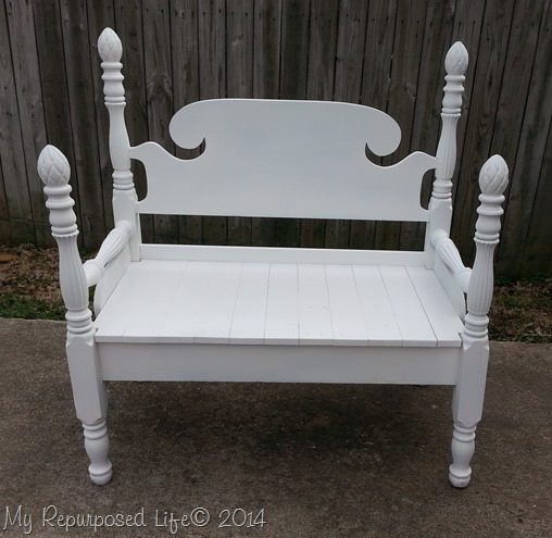 white-pineapple-bed-bench