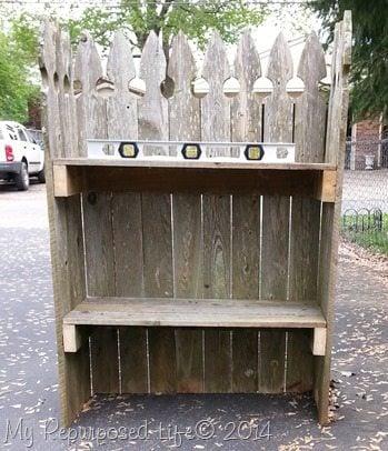 crooked-picket-fence-shelf