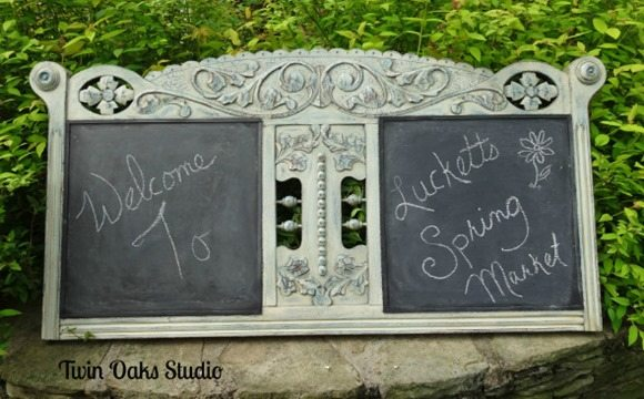 settee-back-repurposed-chalkboard