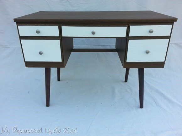wood-white-vintage-desk