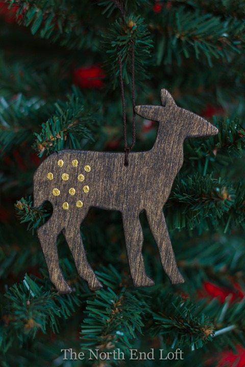 rustic-reindeer-ornament