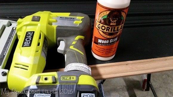 molding-stapler-glue
