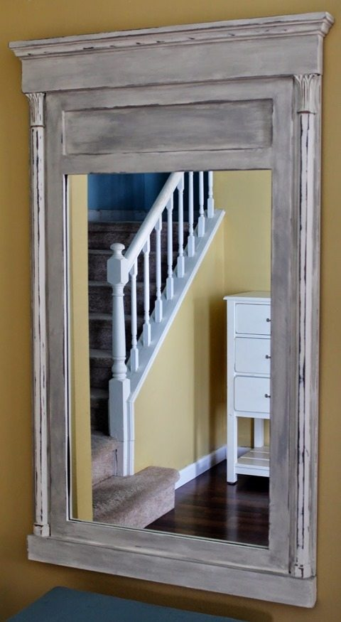 baking-soda-chalk-paint-mirror-makeover