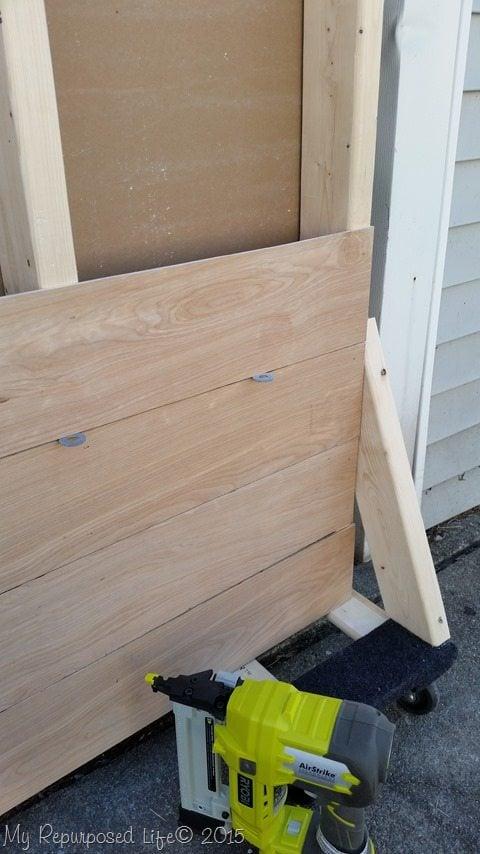 portable-plank-wall-photo-backdrop