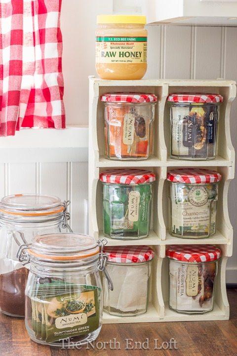 wooden-shelf-caddy-tea-box