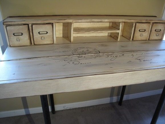 desk-table-from-found-items