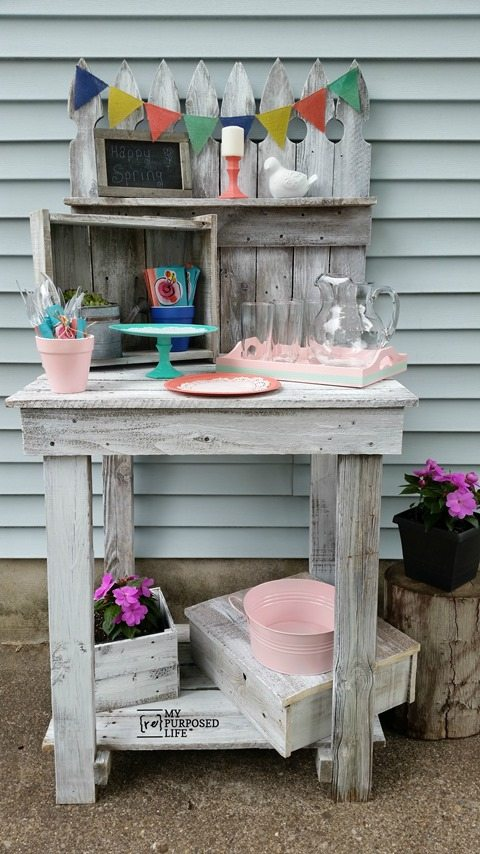 My Repurposed Life Krylon Express Pallet Outdoor Party