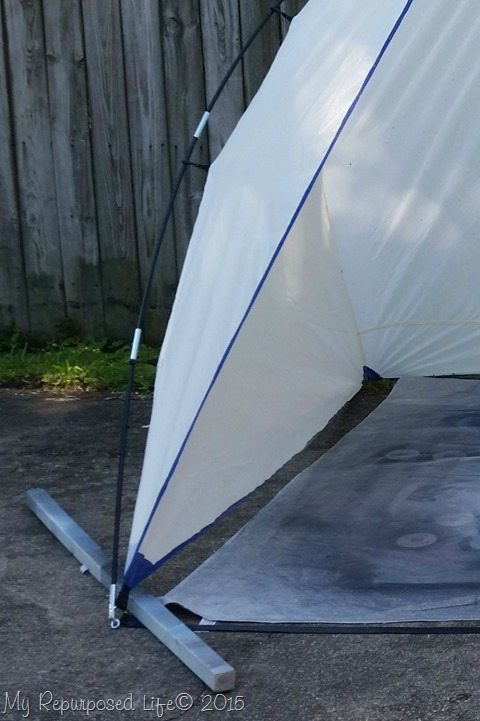 spray-shelter-weighted-down