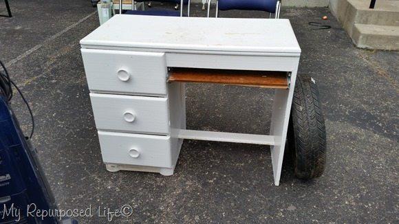 old-white-desk