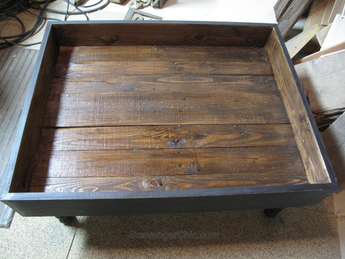 Vintage Door Coffee Table Interior (4)