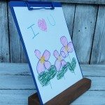 kids-artwork-clipboard-stand.jpg