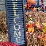 my-repurposed-life-welcome-sign-stenciled-shutter