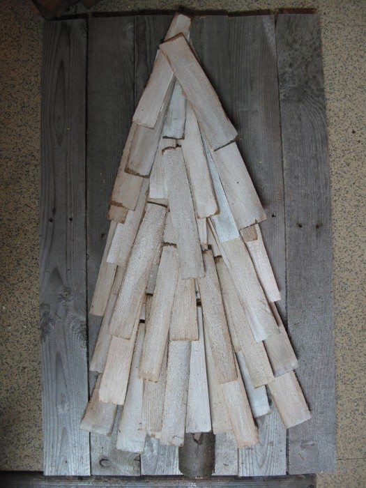 Christmas tree made from cedar shingles and pallet wood, easy diy