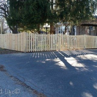 pickets and jig |DIY Picket Fence