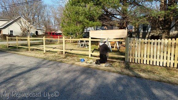 diy-picket-fence-level