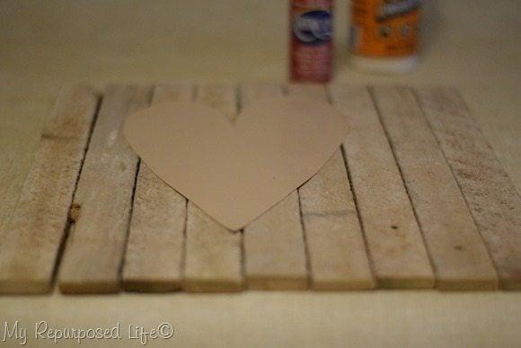 lath-valentine-heart-decor