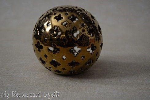 round-gold-sphere-decor