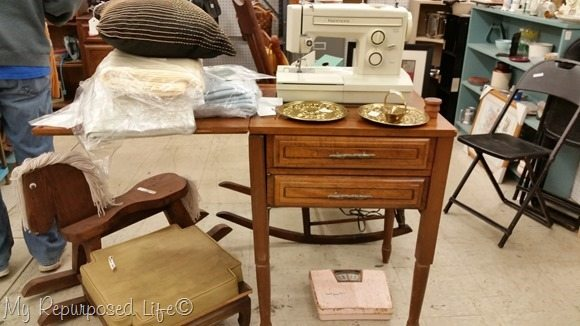 vintage-sewing-machine-cabinet