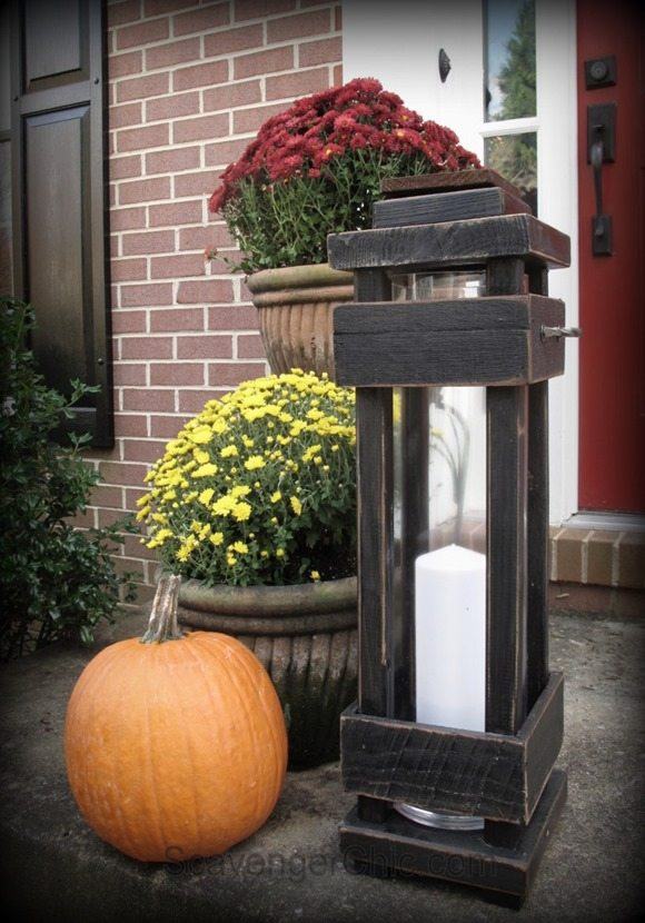 DIY porch wood lantern featured at Talk of the Town | www.knickoftime.net