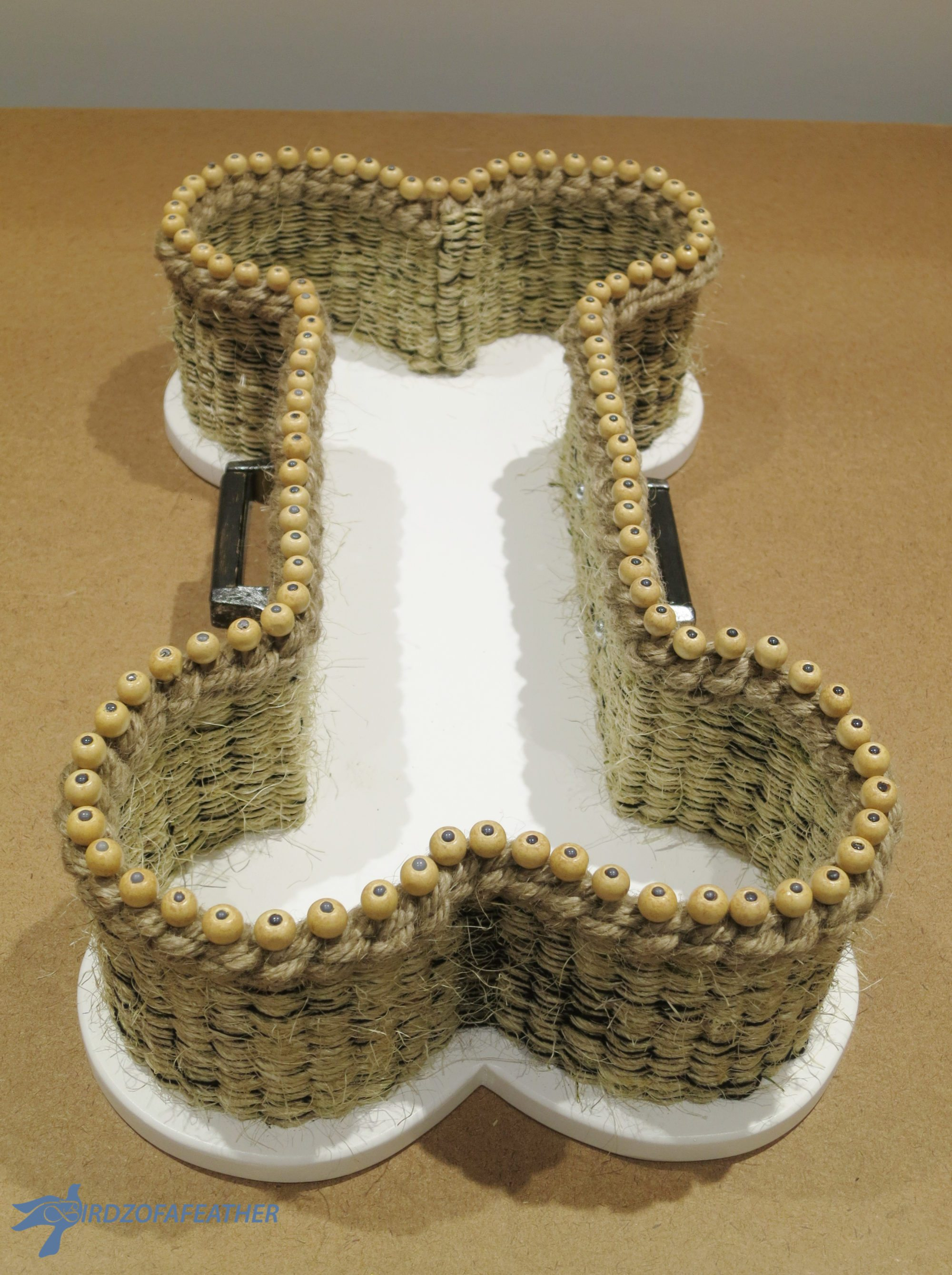 finished-diy-dog-bone-basket