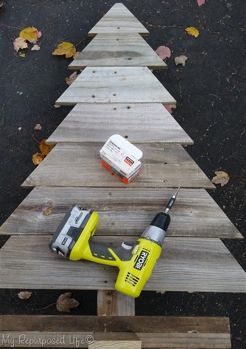 attach fence boards with wood screws
