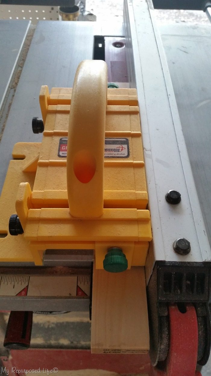 use a grrripper for making a groove on tablesaw