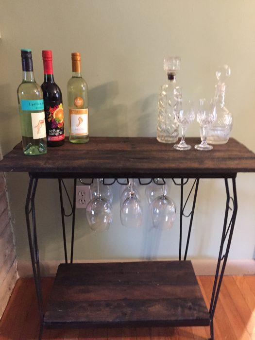 Fish tank stand rustic wine bar my repurposed life for Pallet aquarium stand