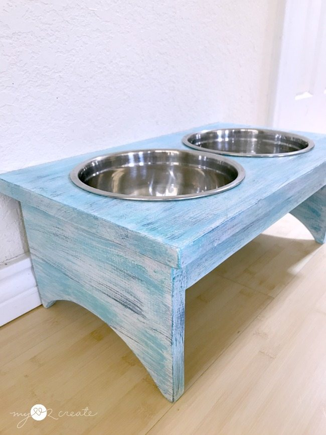 dog dish holder