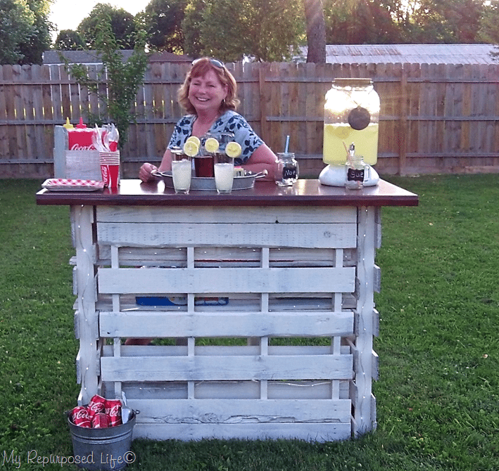gail folding portable pallet bar MyRepurposedLife