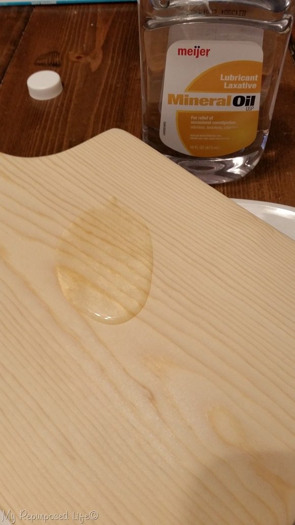 apply food safe mineral oil to new diy cutting board