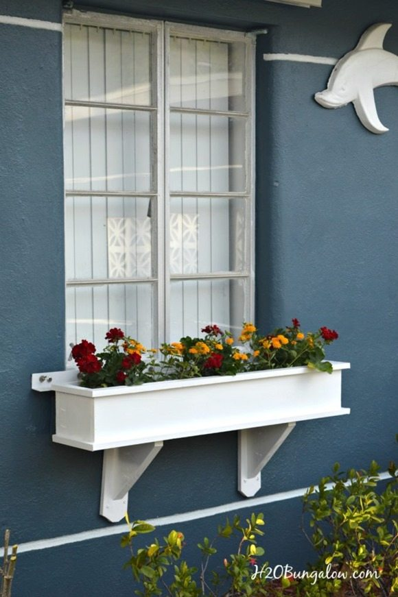 How to make a window box featured at Talk of the Town at Knick of Time
