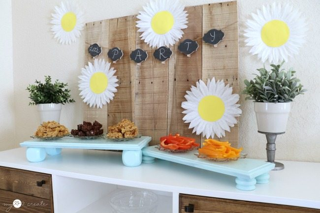 Repurposed drawer front serving trays