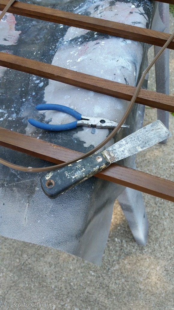 remove broken glass from mcm hutch