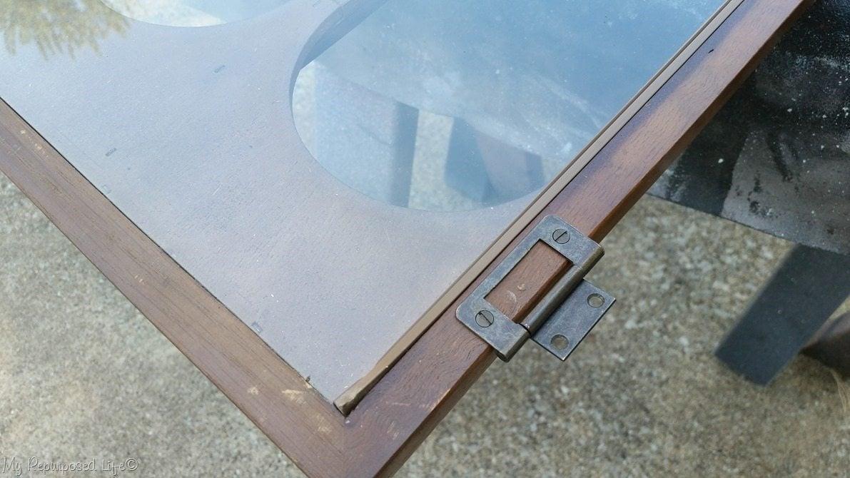 remove hinges mcm hutch