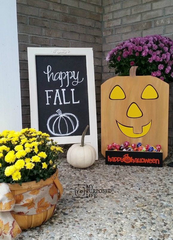 harvest yard sign pumpkin candy holder MyRepurposedLife.com