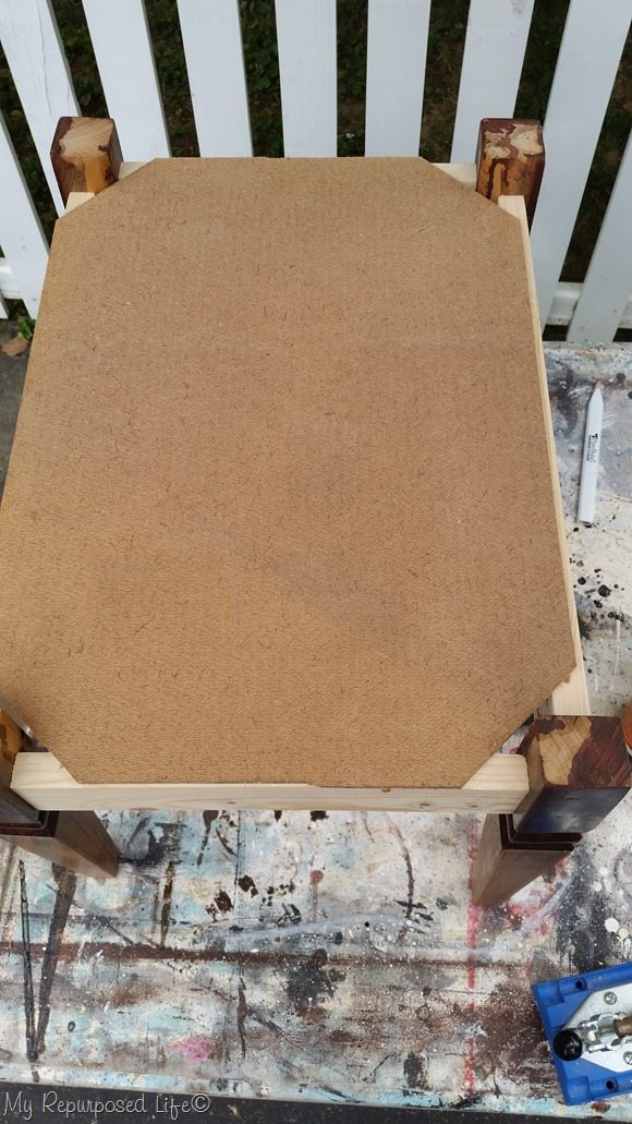 notch 4 corners of dog bed doll bed bottom